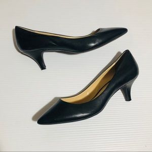 Gianni Bini Kitten Heel Heels Size 9.5